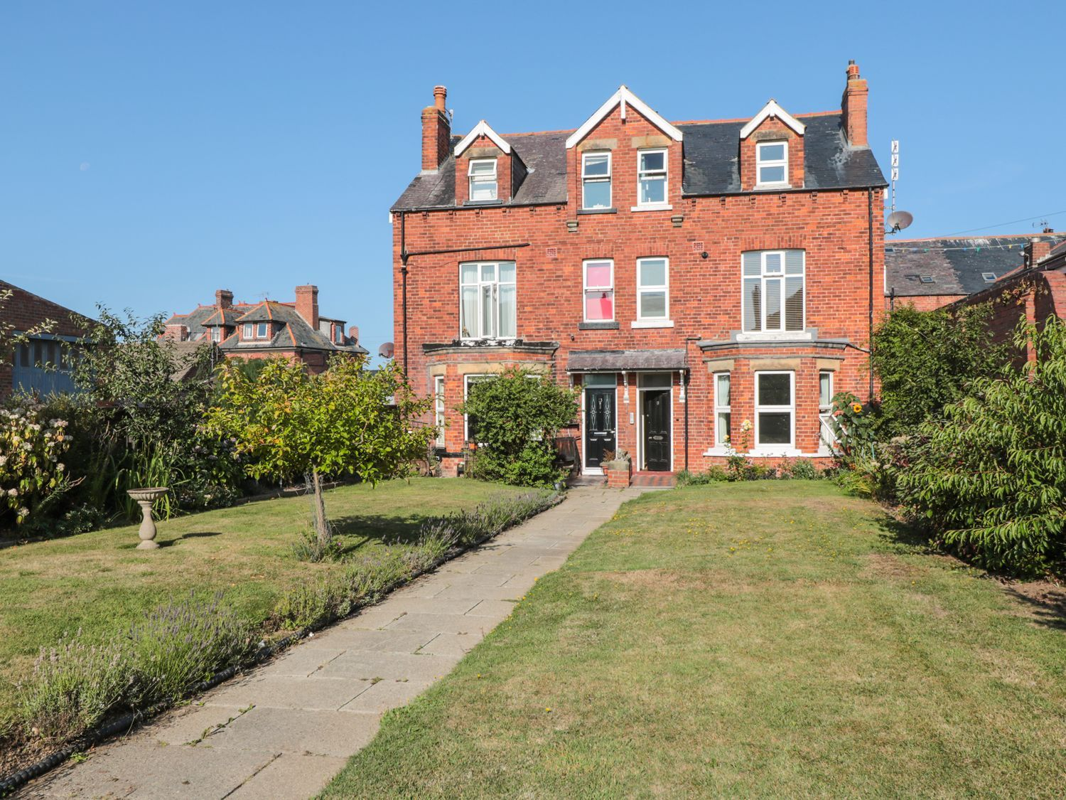 Flat 2, Mindello House - North Yorkshire (incl. Whitby) - 1083631 - photo 1