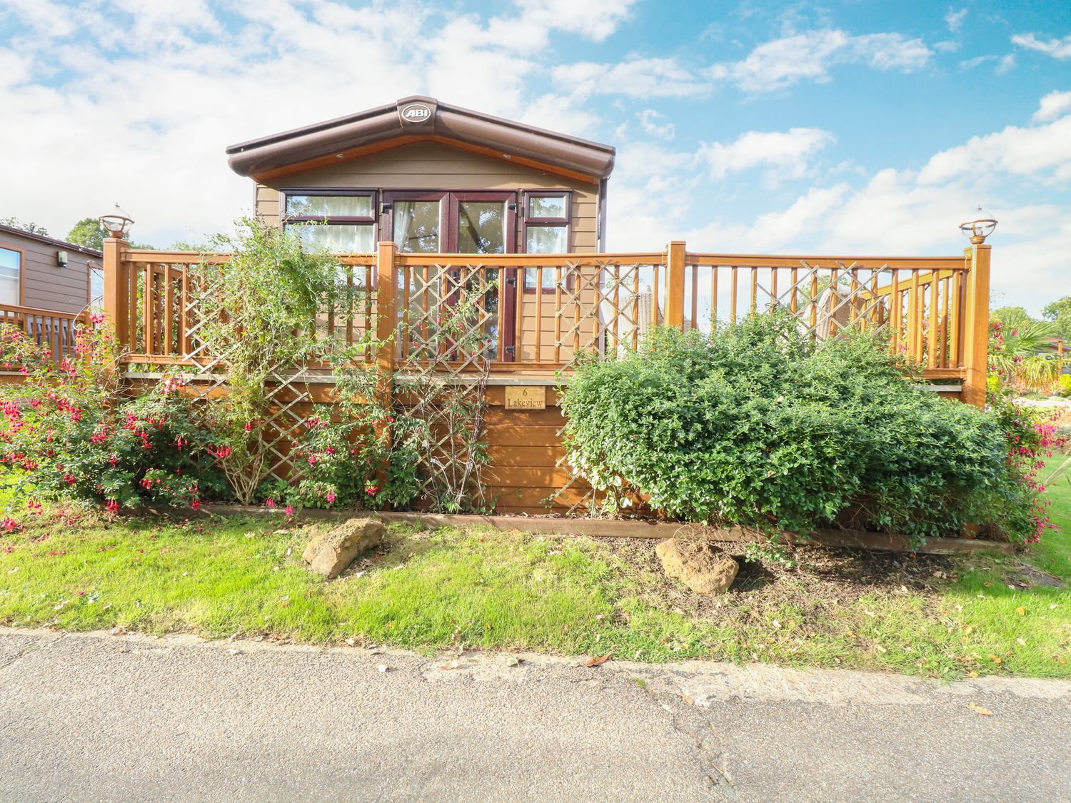 6 Lakeview - Norfolk - 1083856 - photo 1