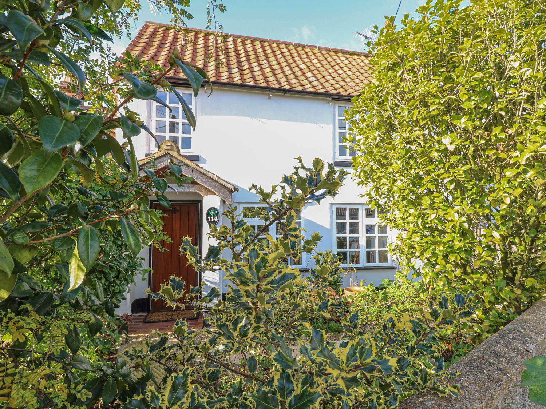 Holiday Cottages in Norfolk: Holllyhedge Cottage, Holt | Sykes Cottages