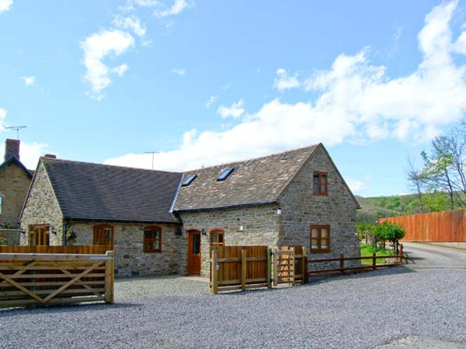 The Stable - Shropshire - 13270 - photo 1