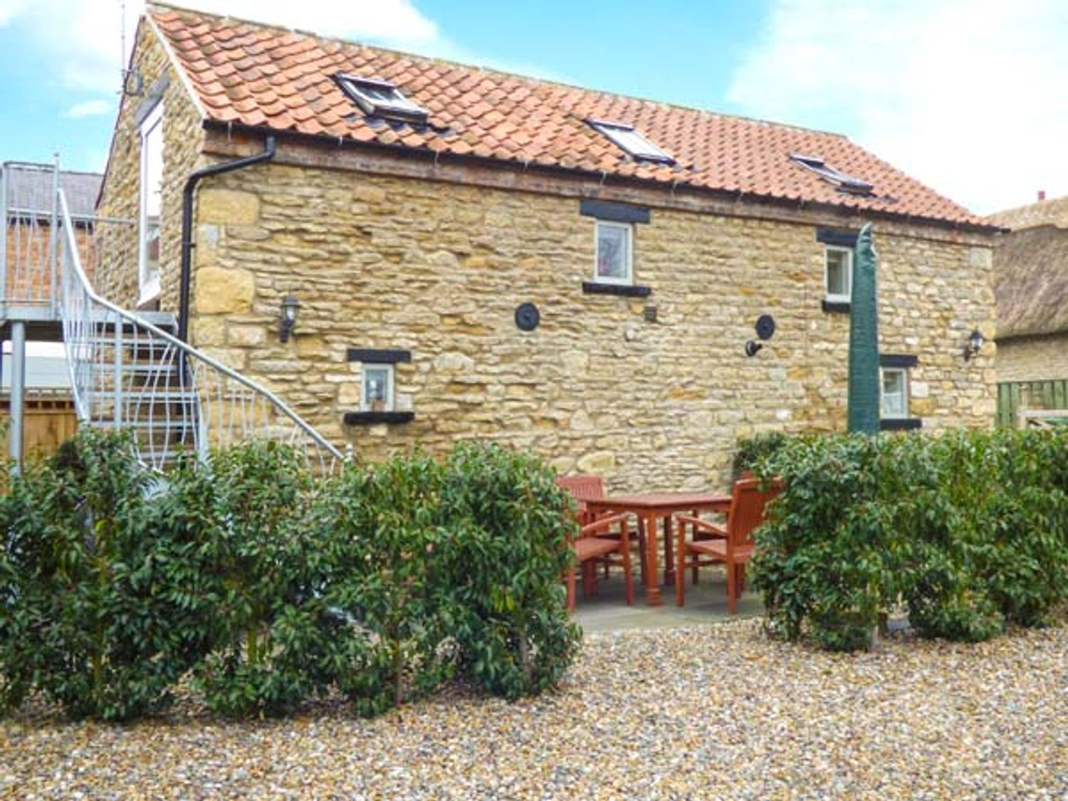 Upstairs Downstairs Cottage - North Yorkshire (incl. Whitby) - 13914 - photo 1