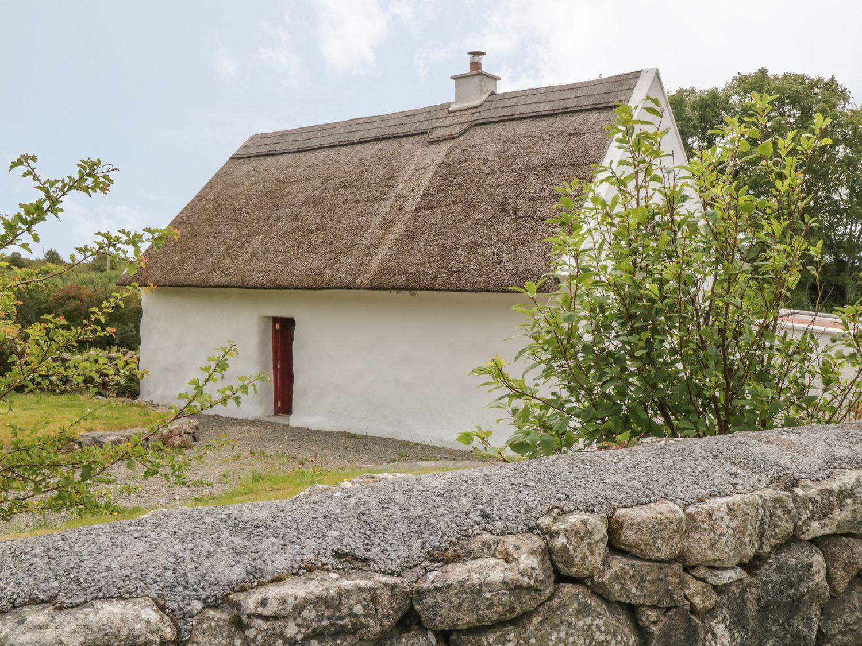 Spiddal Thatch Cottage, Ireland