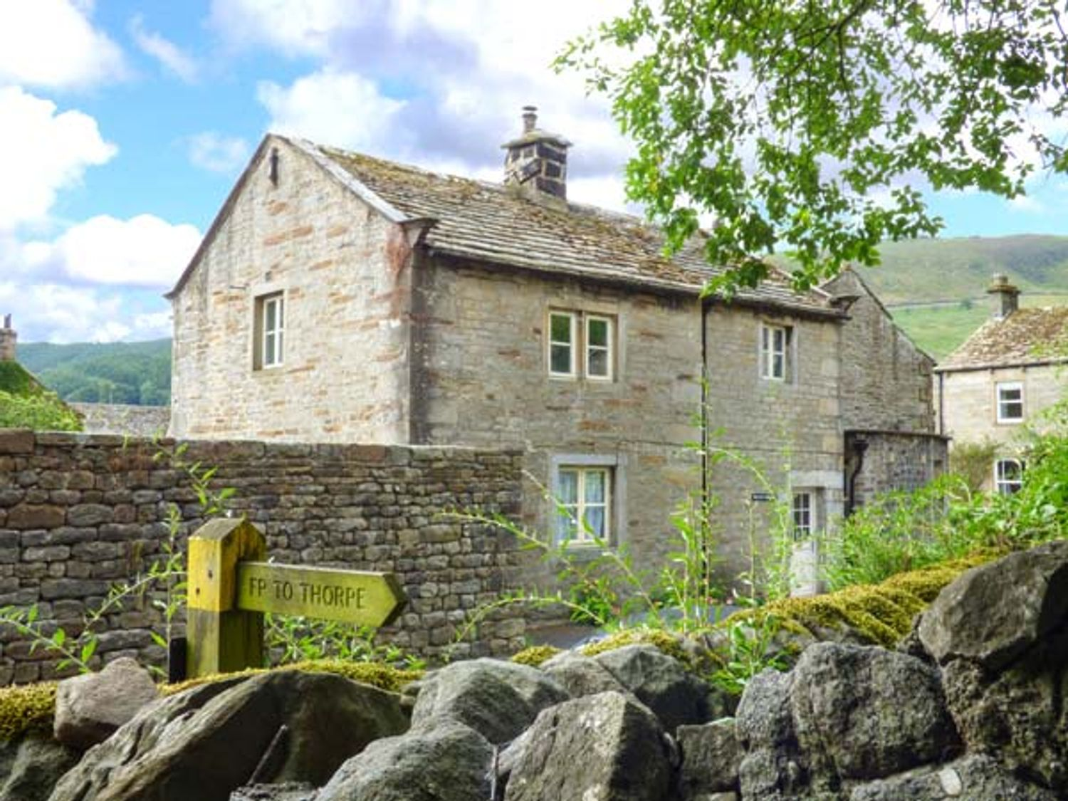 The Old Cobblers - Yorkshire Dales - 2062 - photo 1