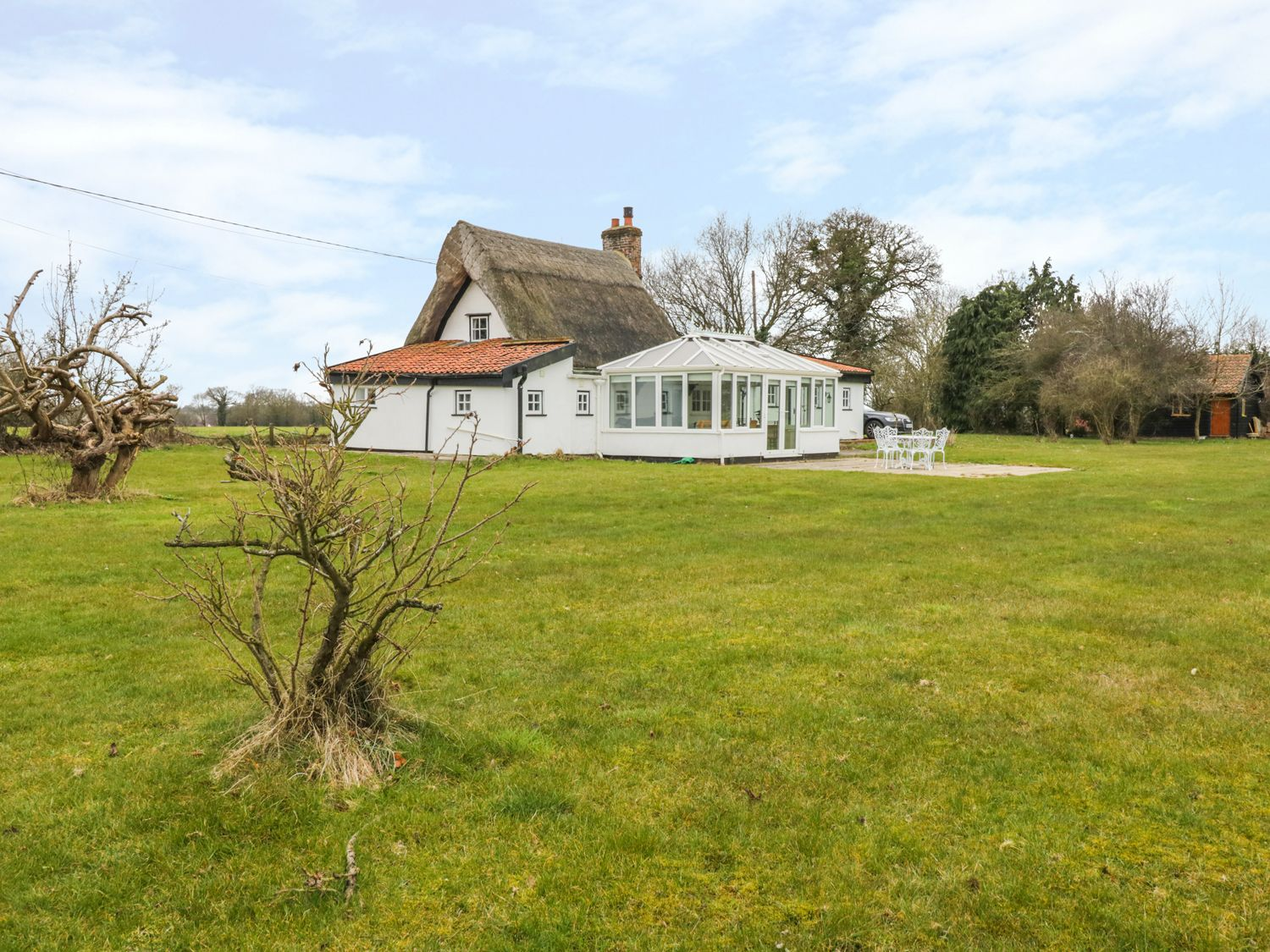 Holiday Cottages in Suffolk: Clay Street, Thornham Magna, Eye | sykescottages.co.uk