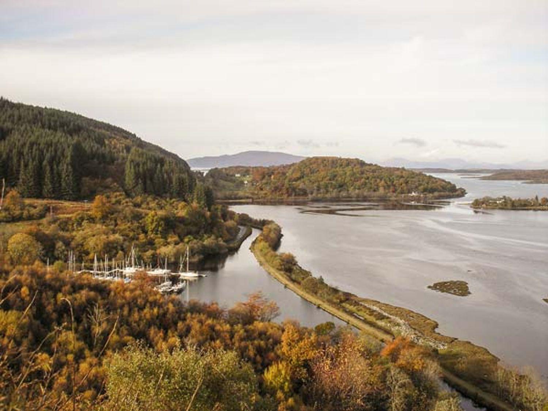 Ghleanna Beag (Small Glen), Scotland
