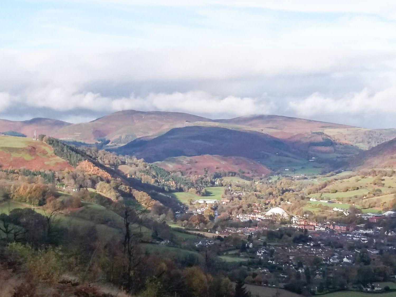 Llys Offa, Wales