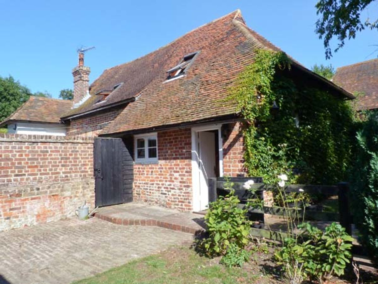 Holiday Cottages in Kent: Brew Cottage, Marshside | Sykes Cottages