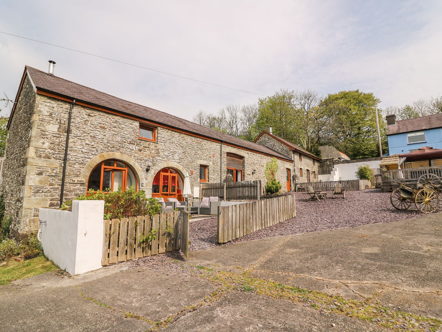 The Stables - South Wales - 4514 - photo 1