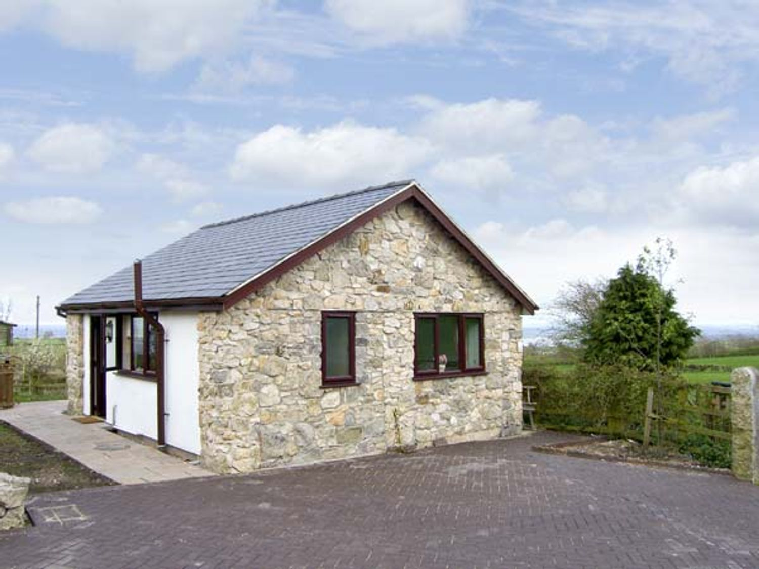 Dolphin Bach - North Wales - 5074 - photo 1