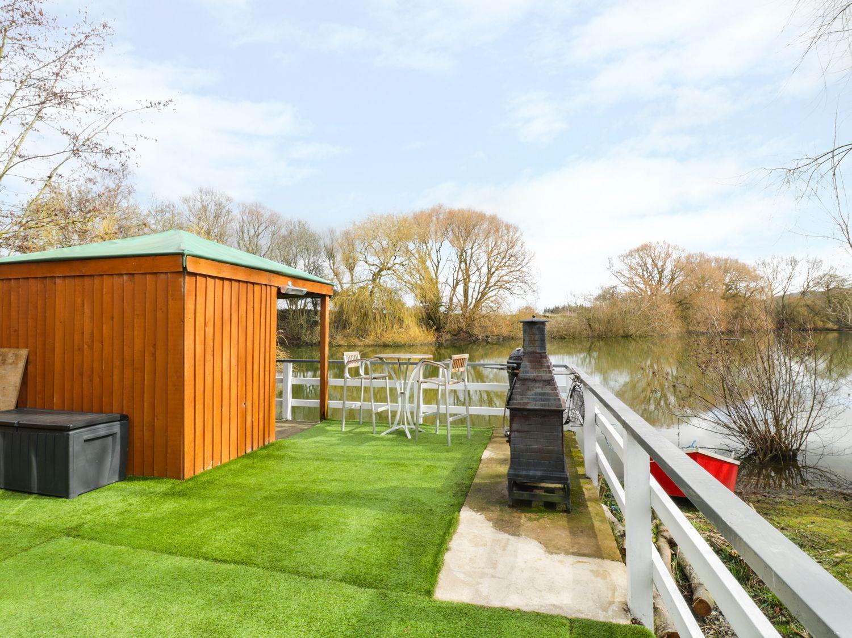 The Lakeside Yurt, Heart of England