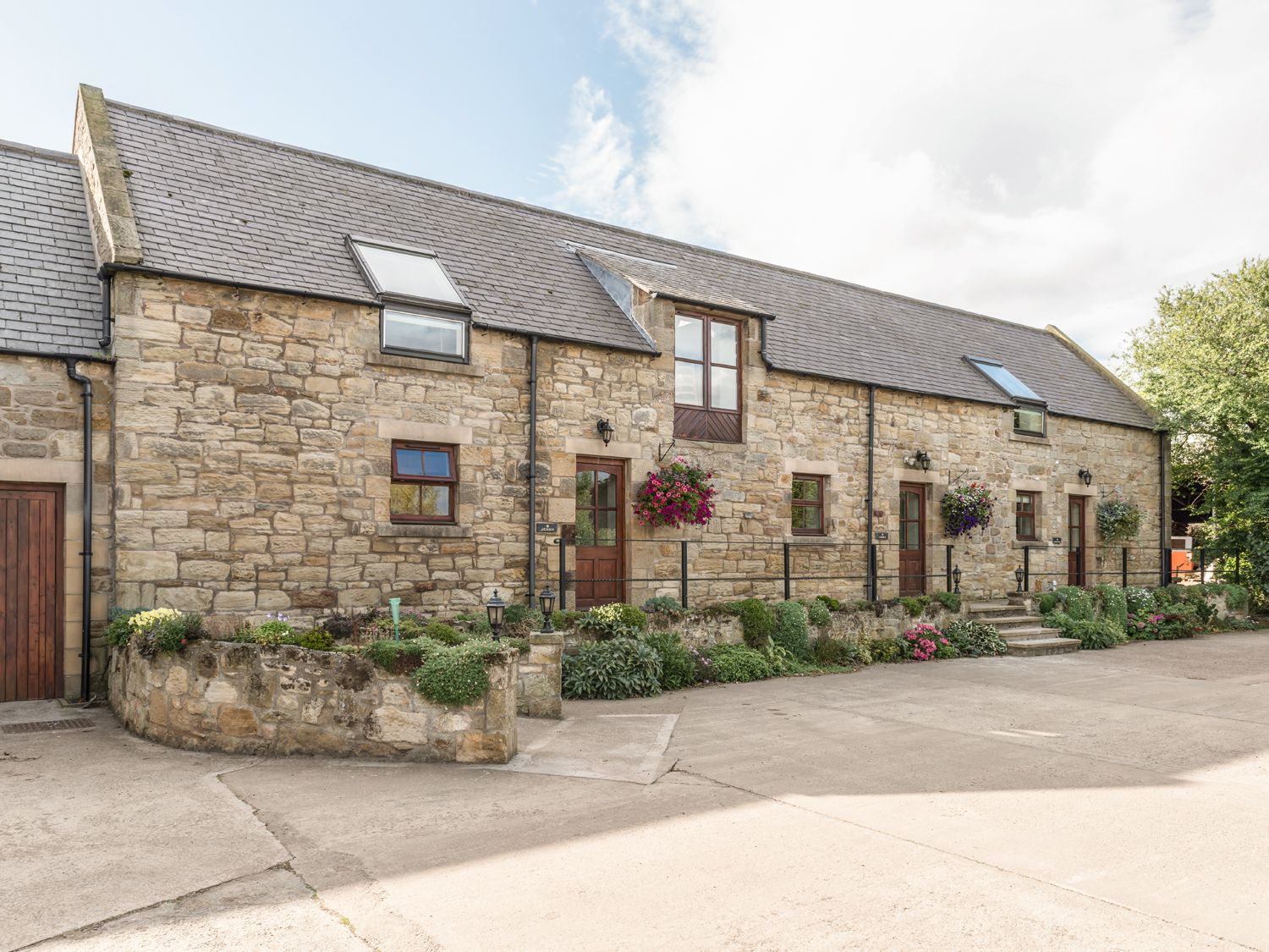 Northumberland Holiday Cottages: Jenny's Cottage, Alnmouth | Sykes Cottages