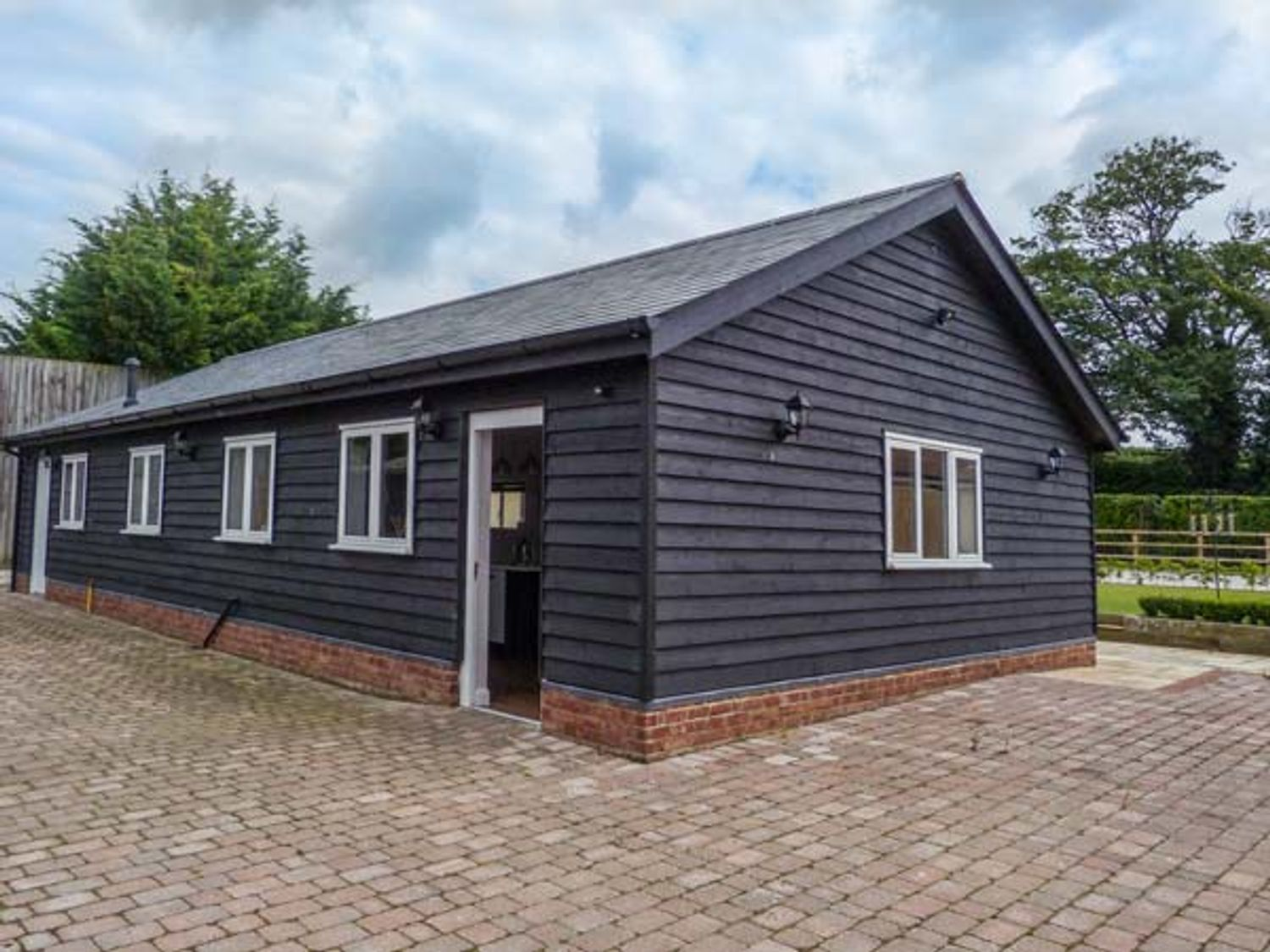 Willow Lodge - Kent & Sussex - 903682 - photo 1