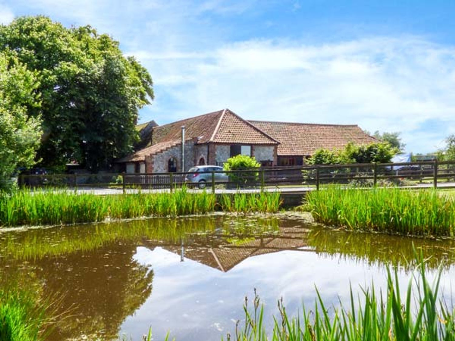 Holiday Cottages in Norfolk: Beech Barn, Cromer | Sykes Cottages