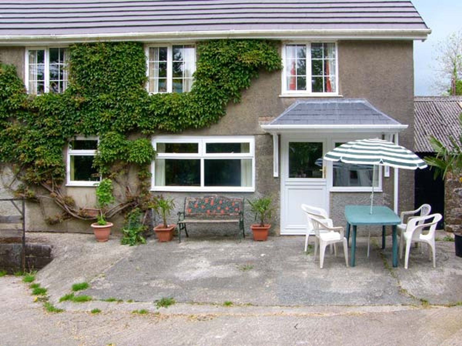 Winsor Cottage - South Wales - 914184 - photo 1