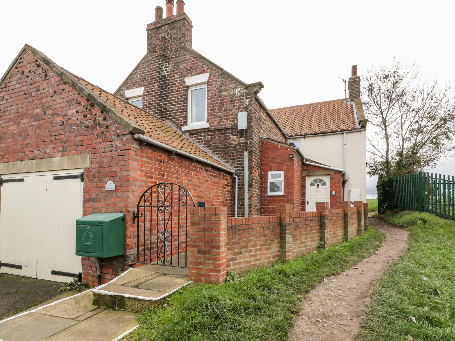 Airy Hill Old Farmhouse - Whitby & North Yorkshire - 915188 - photo 1