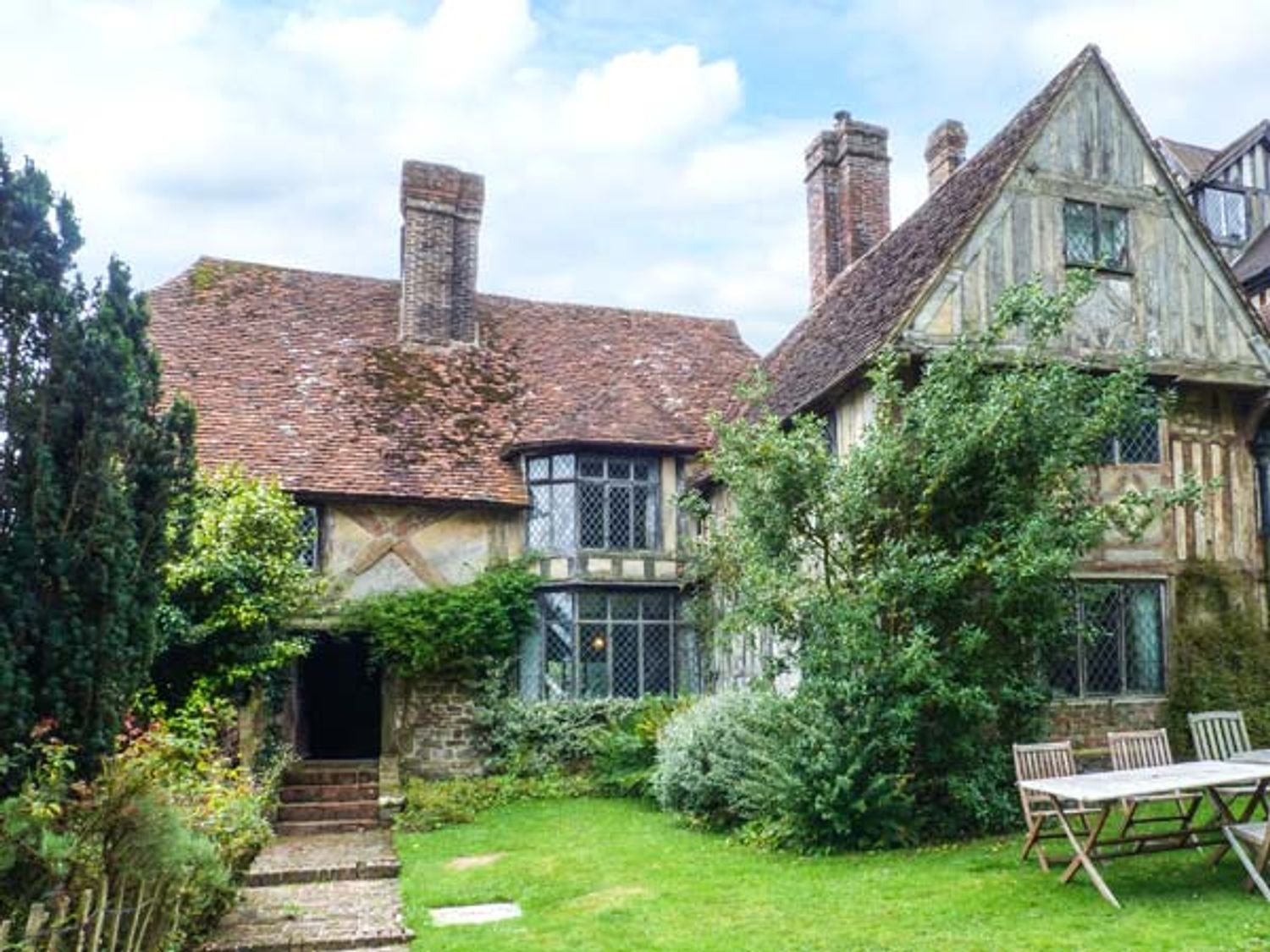 Holiday Cottages in Kent: Tudor Wing, Chiddingstone | Sykes Cottages