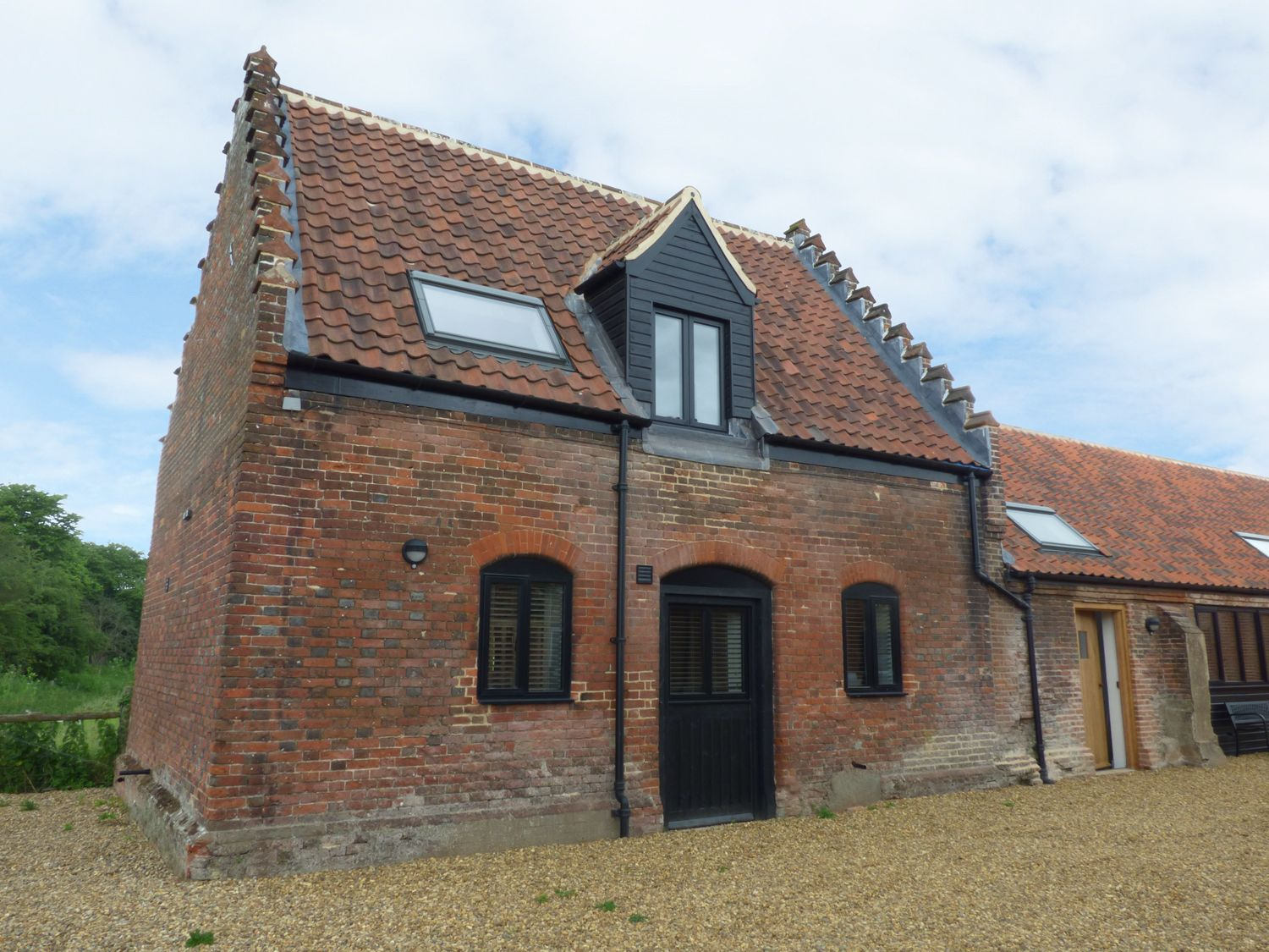 Holiday Cottages in Norfolk: Tricker's Cottage, Moreton on the Hill | Sykes Cottages