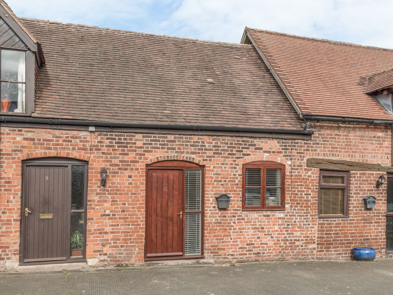 2 Bank Farm Mews - Shropshire - 923859 - photo 1
