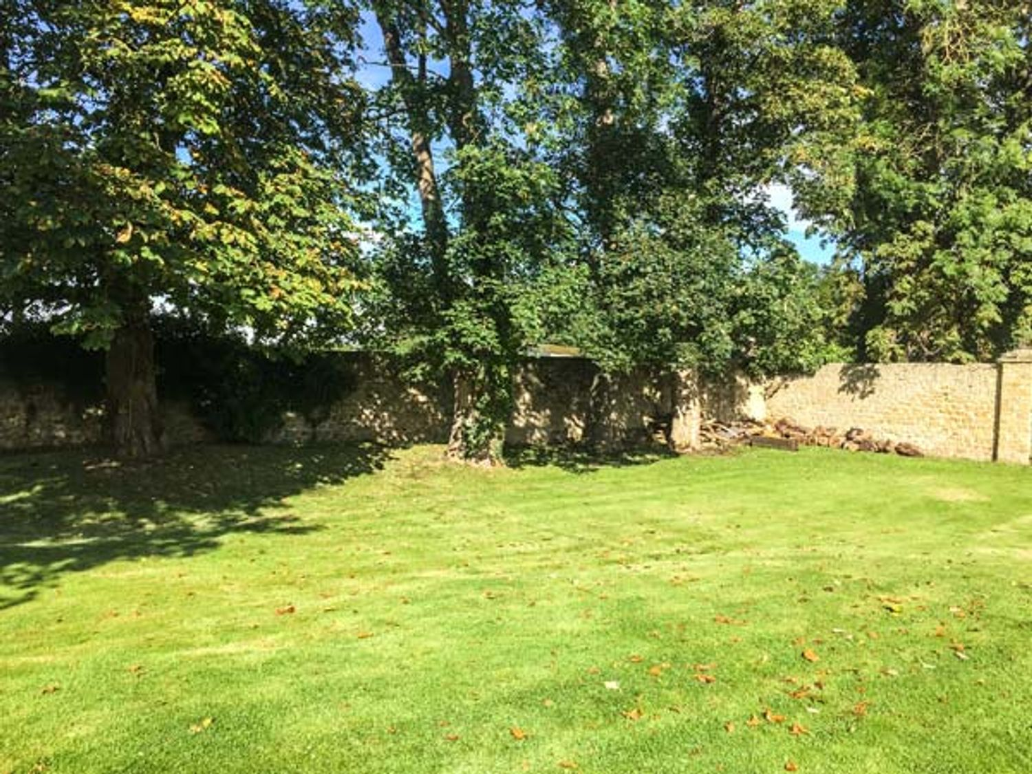Walworth Castle Holiday Cottage, Yorkshire Dales