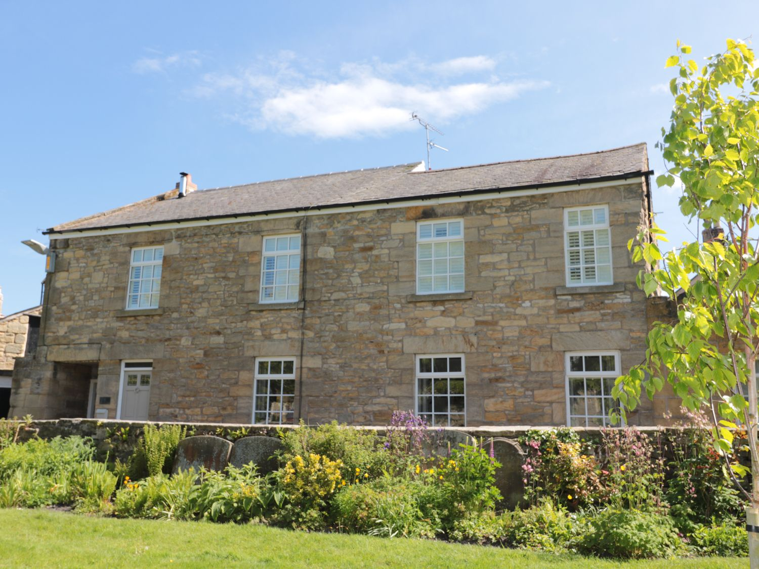Northumberland Holiday Cottages: St. Lawrence Rest, Warkworth | Sykes Cottages