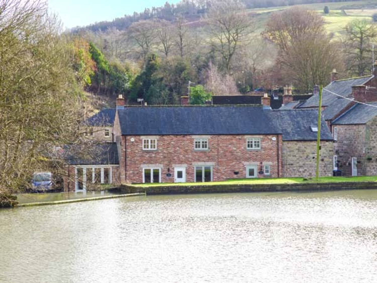 Weir Cottage on the Mill Pond - Peak District - 933068 - photo 1