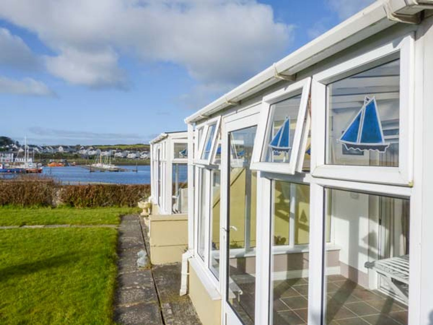 Ferry Lodge Cottage - County Clare - 933868 - photo 1