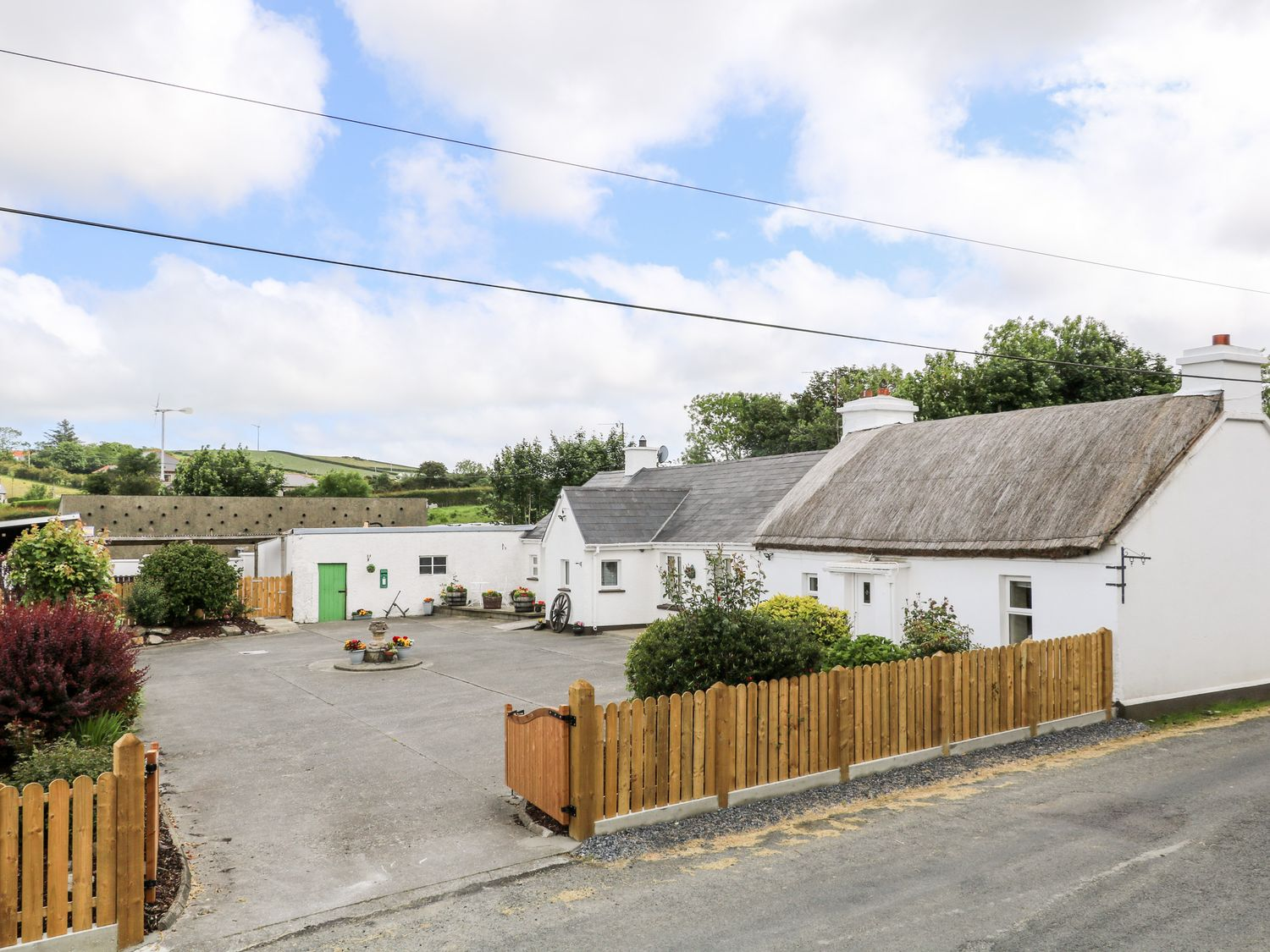Whispering Willows - The Bungalow - County Donegal - 936116 - photo 1