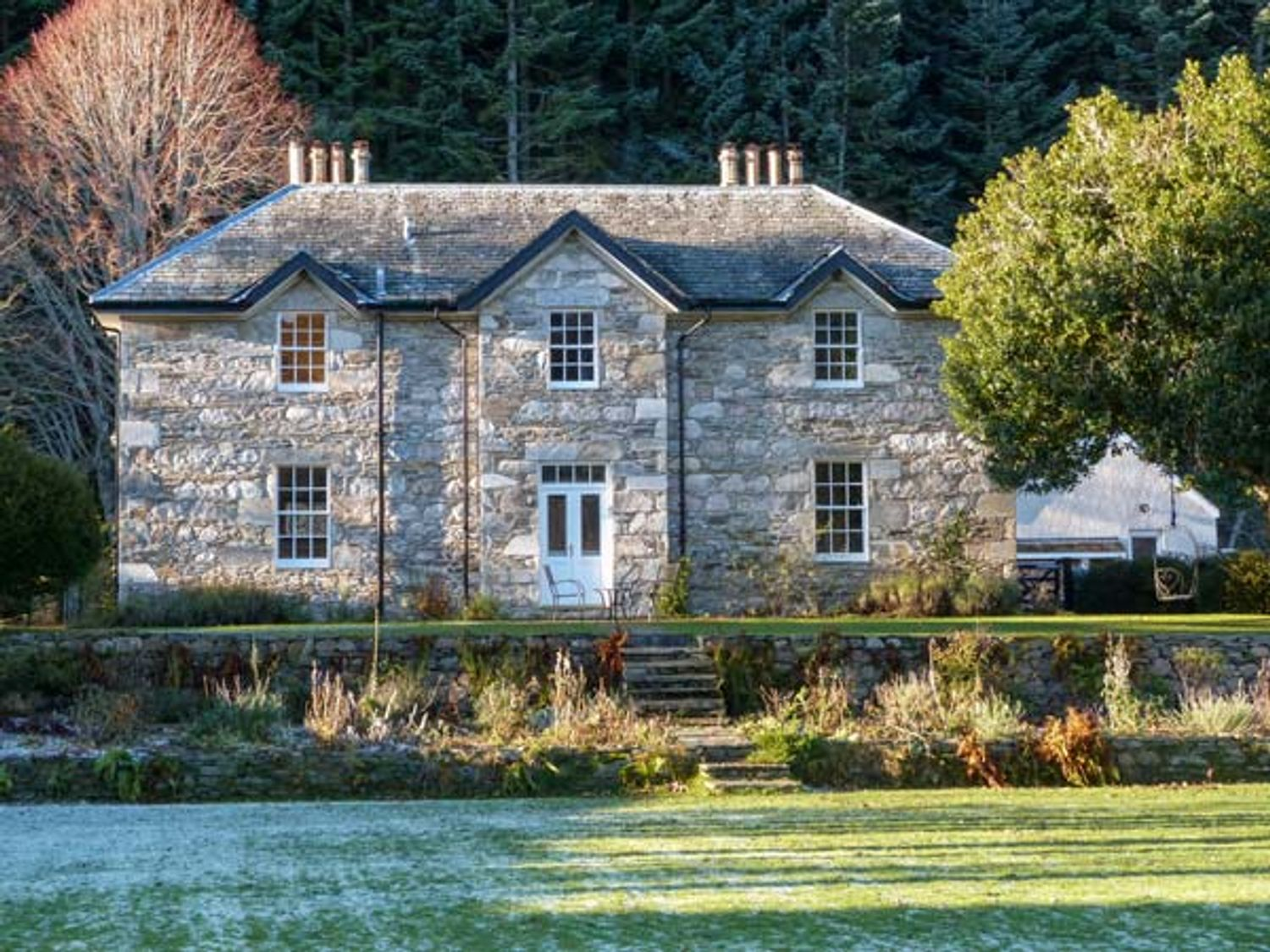 Dalvrecht Manse - Scottish Highlands - 941103 - photo 1