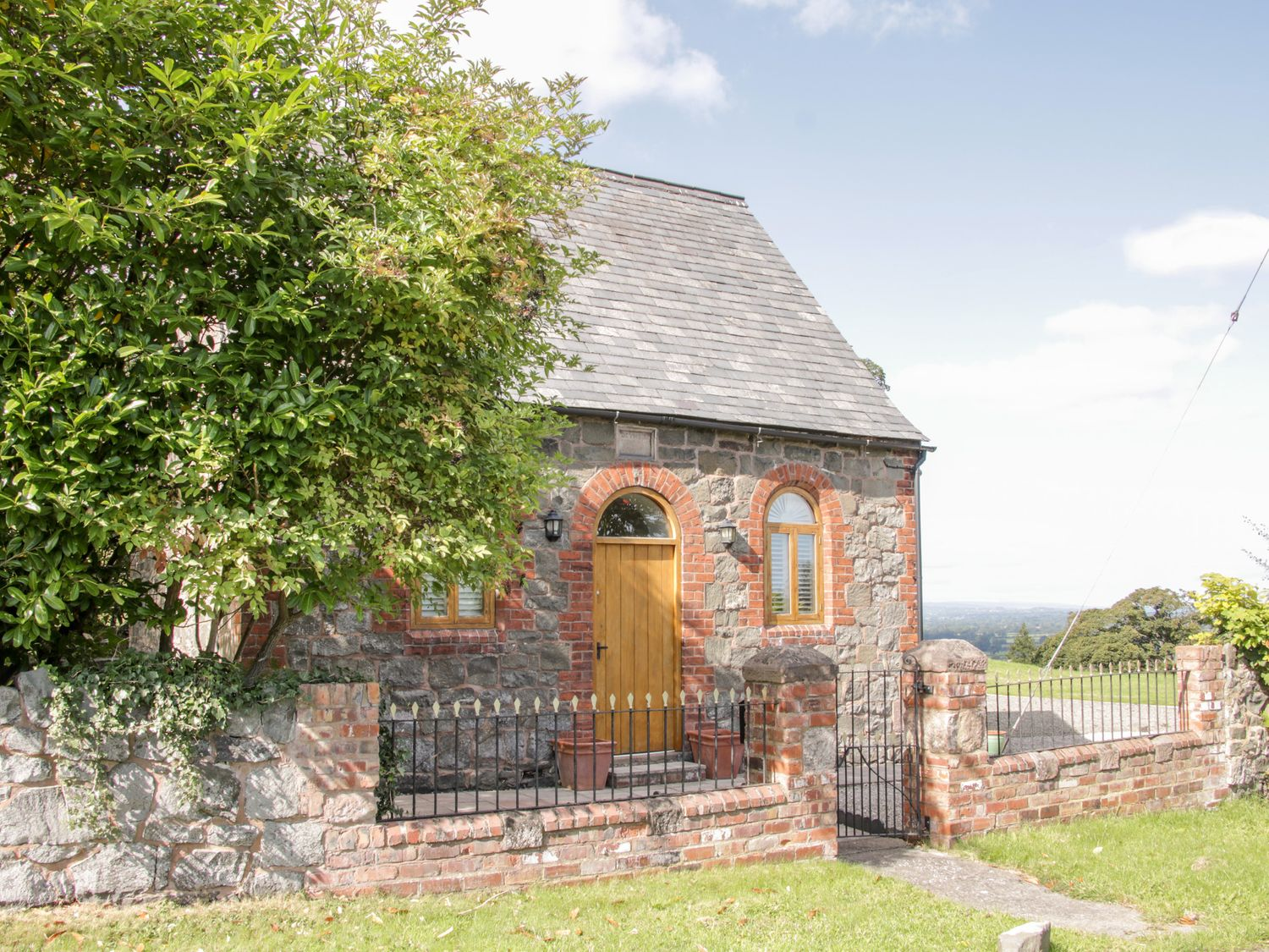 Bausley Chapel - Mid Wales - 955735 - photo 1