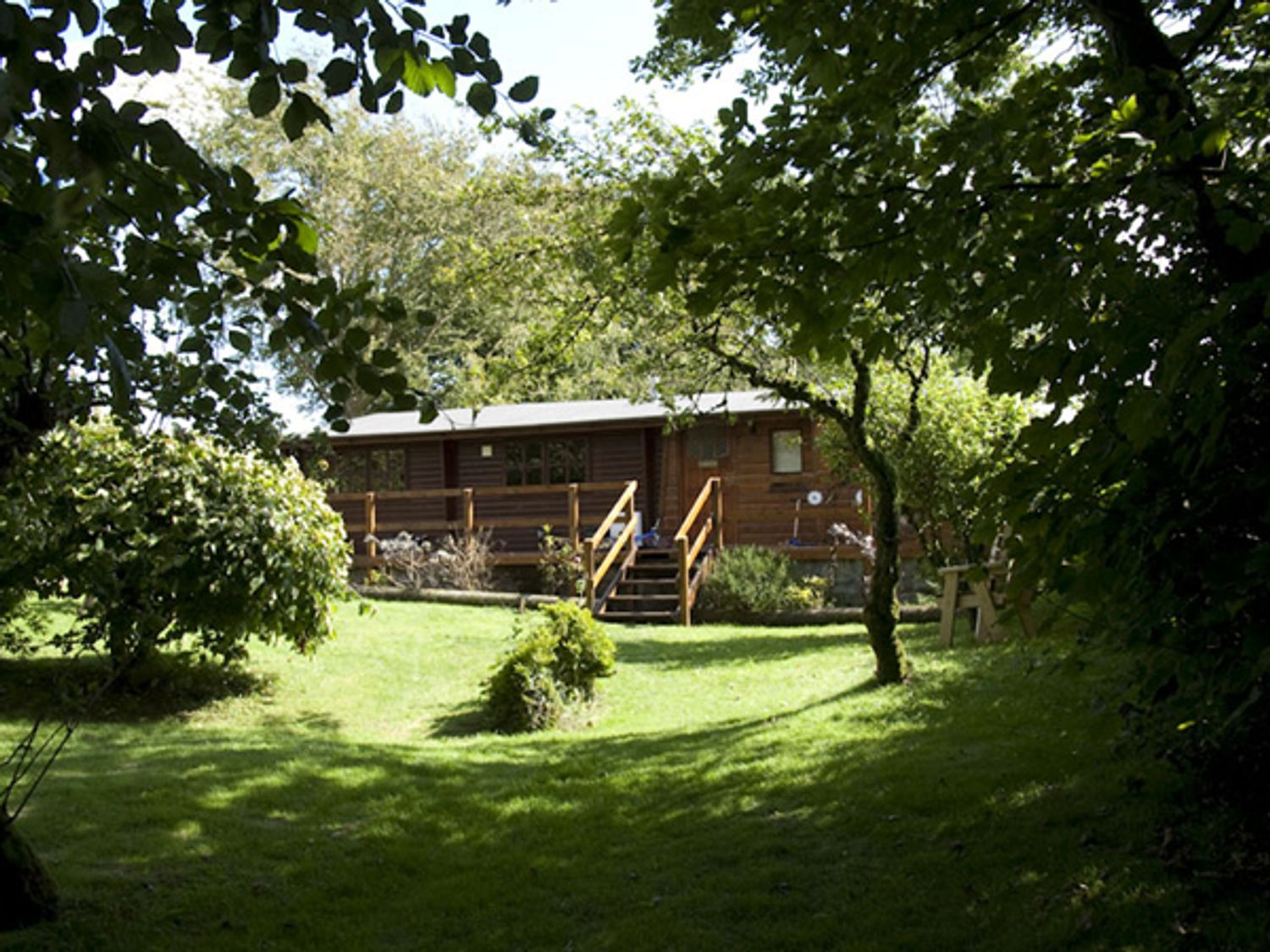 The Log Cabin - South Wales - 958324 - photo 1