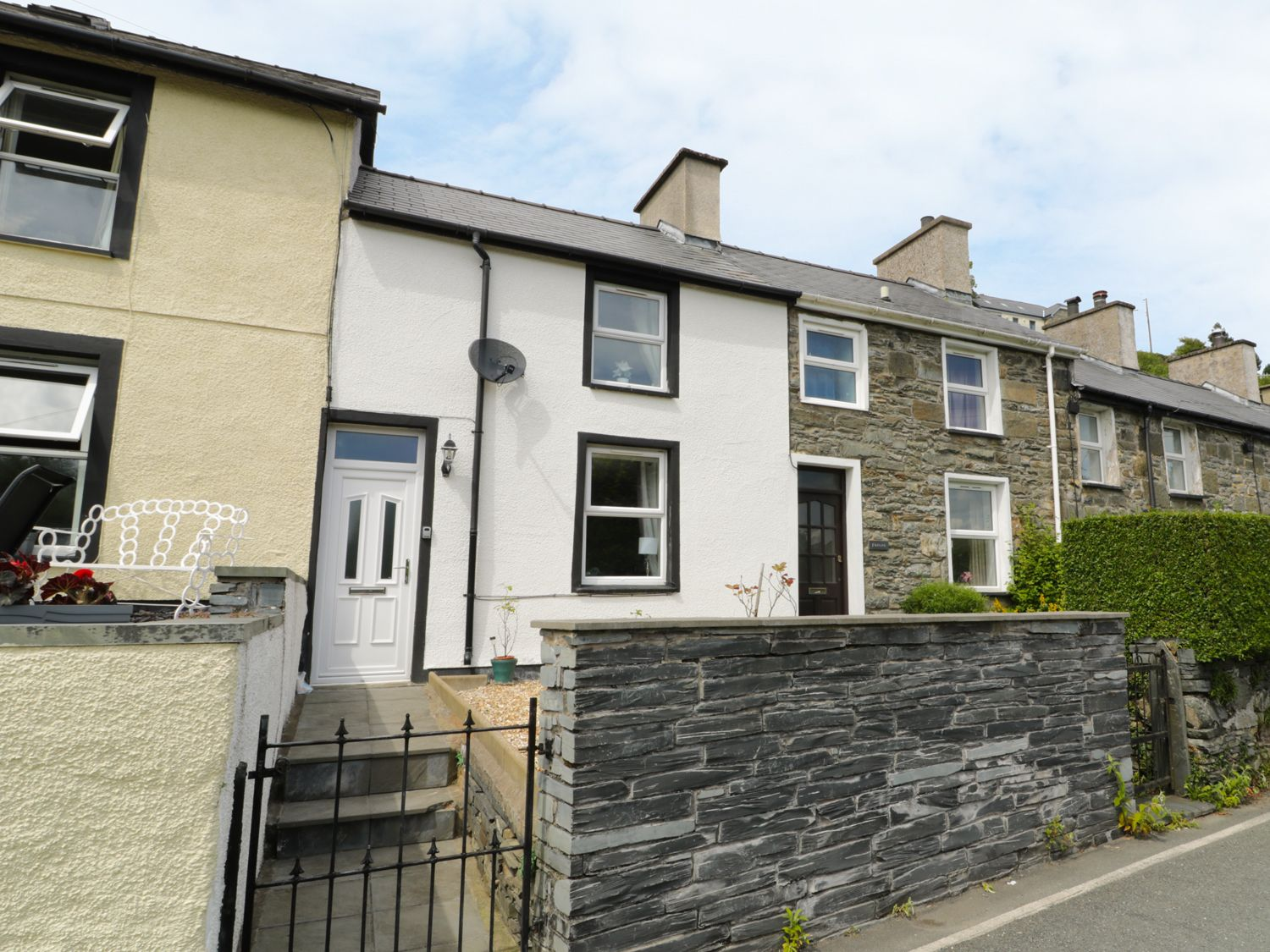 2 Holland Terrace - North Wales - 963317 - photo 1