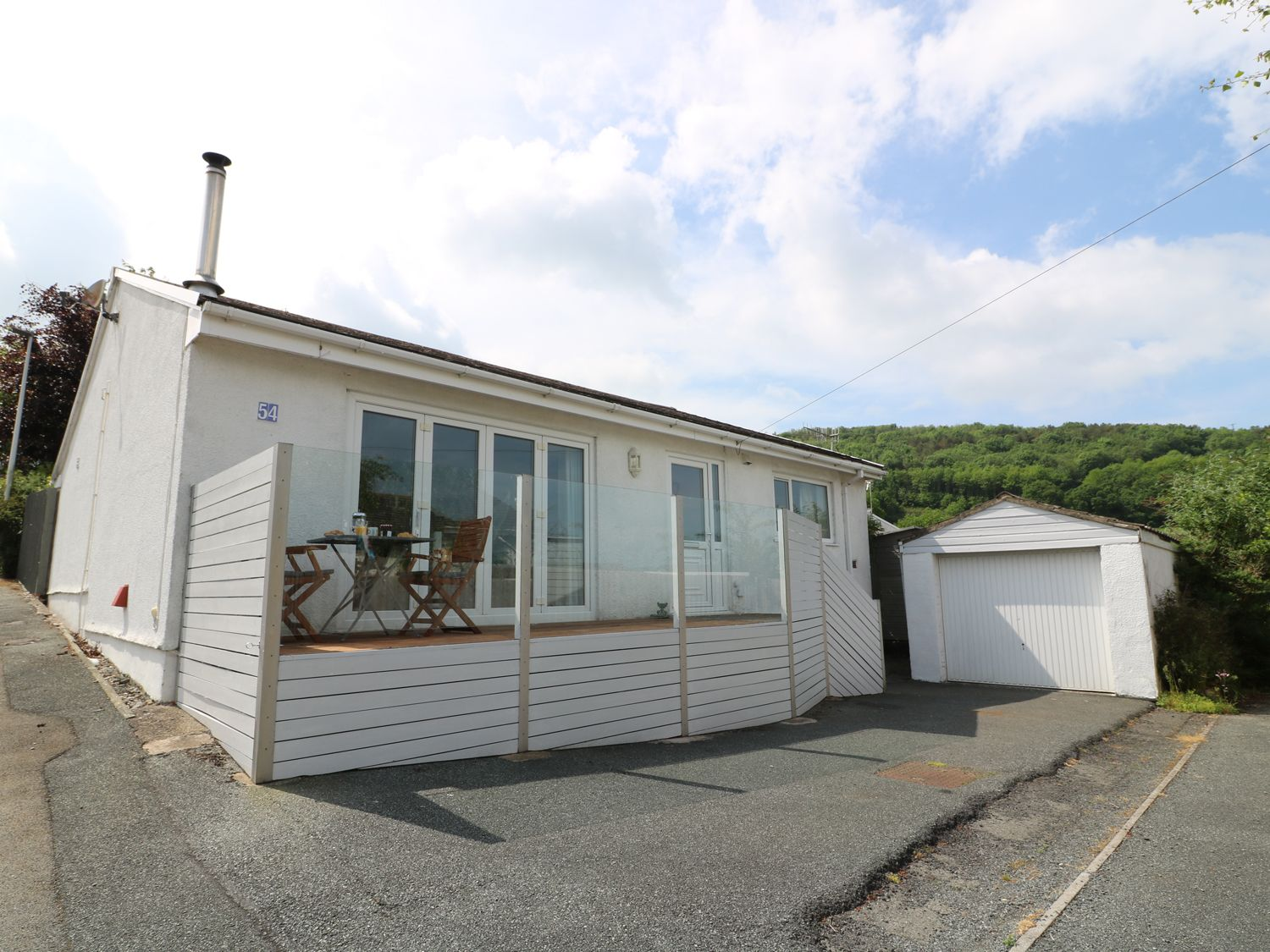 54 The Moorings - South Wales - 970050 - photo 1