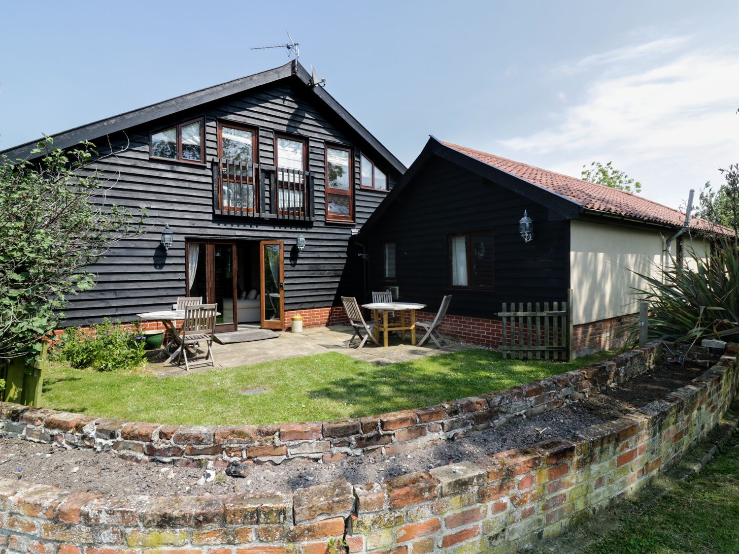 The Cart Lodge - Suffolk & Essex - 973831 - photo 1