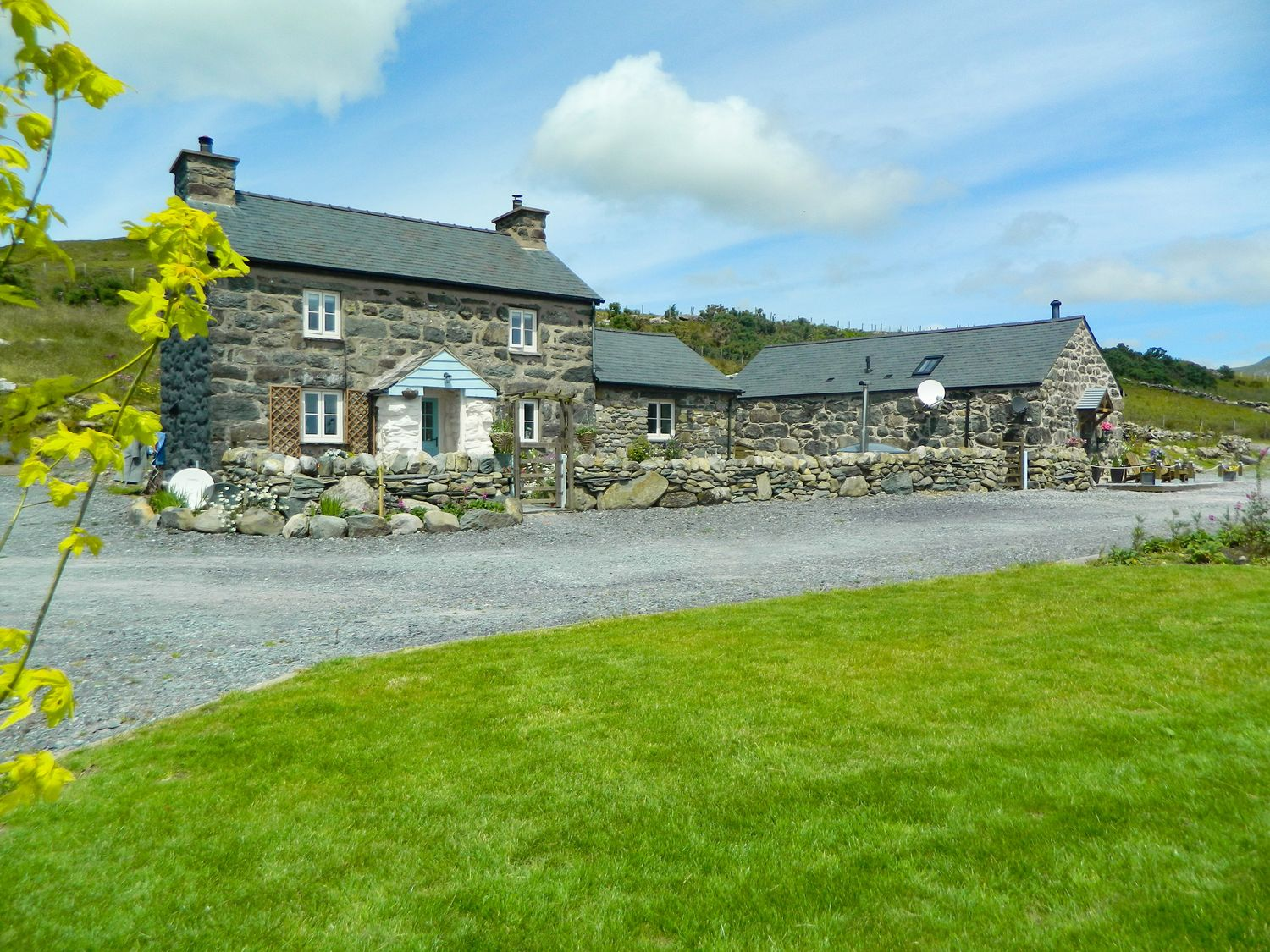 Cae'r Fadog Isaf Farmhouse - North Wales - 975393 - photo 1