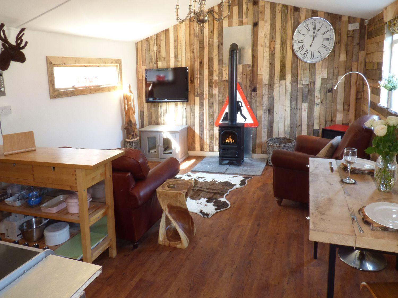 Longhouse Lodge, Dorset