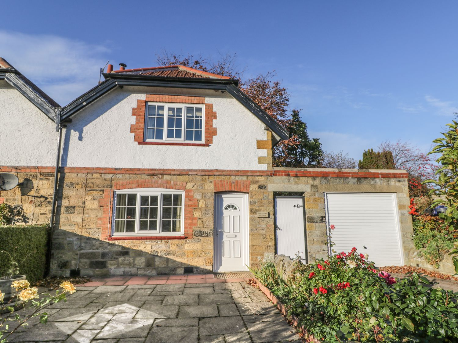 Yew Court Cottage - Whitby & North Yorkshire - 977243 - photo 1