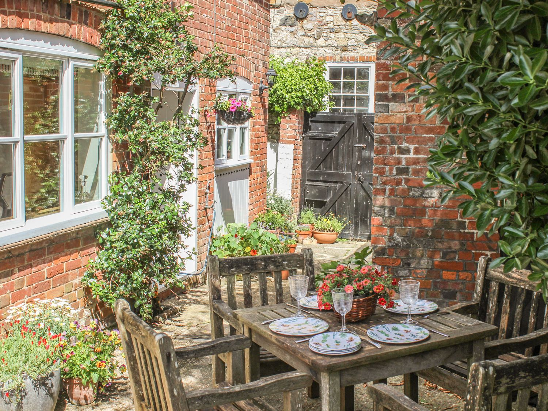 Pinings Yard - Isle of Wight & Hampshire - 977684 - photo 1