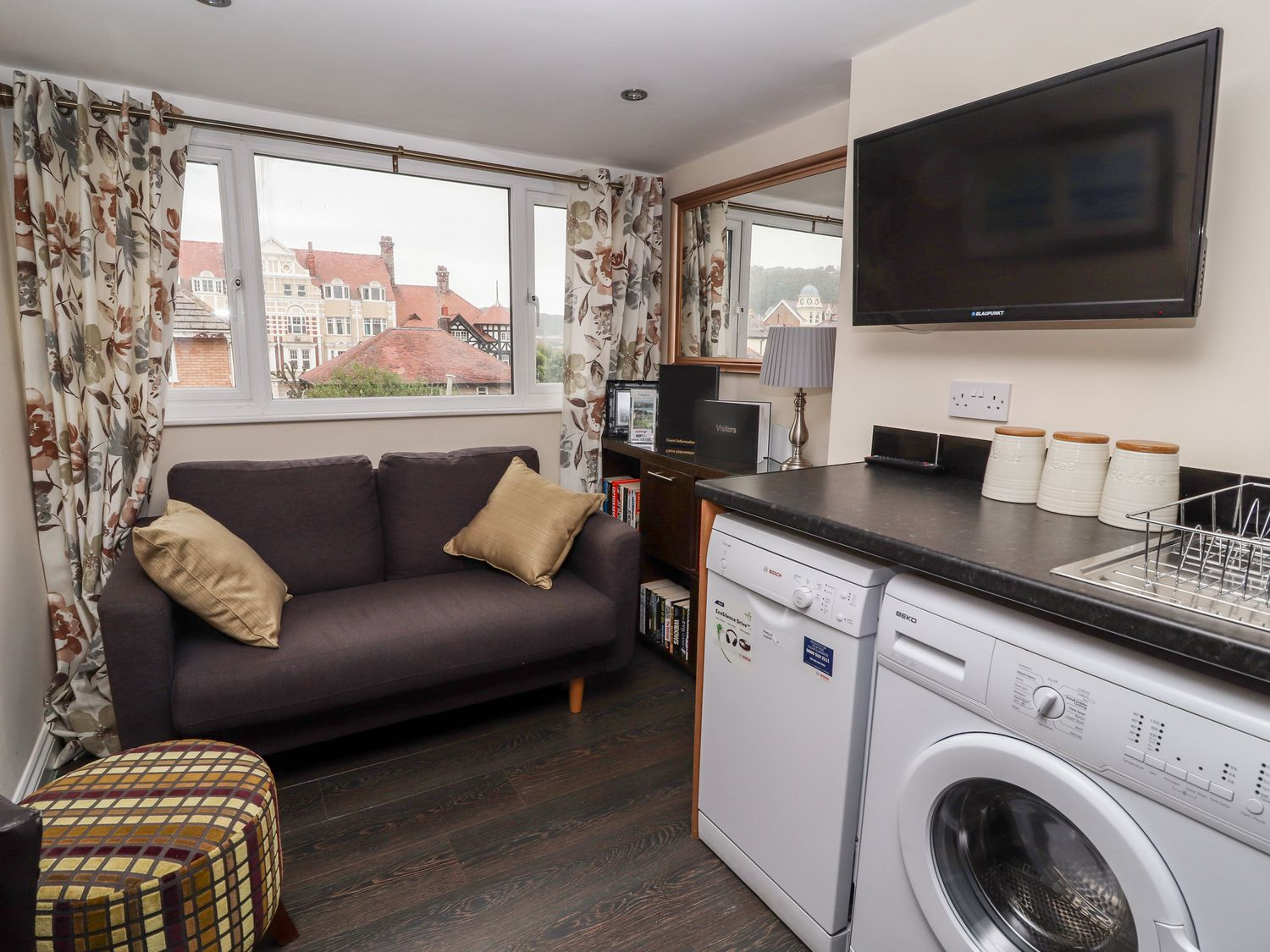 The Mountain View Suite - North Wales - 979425 - photo 1