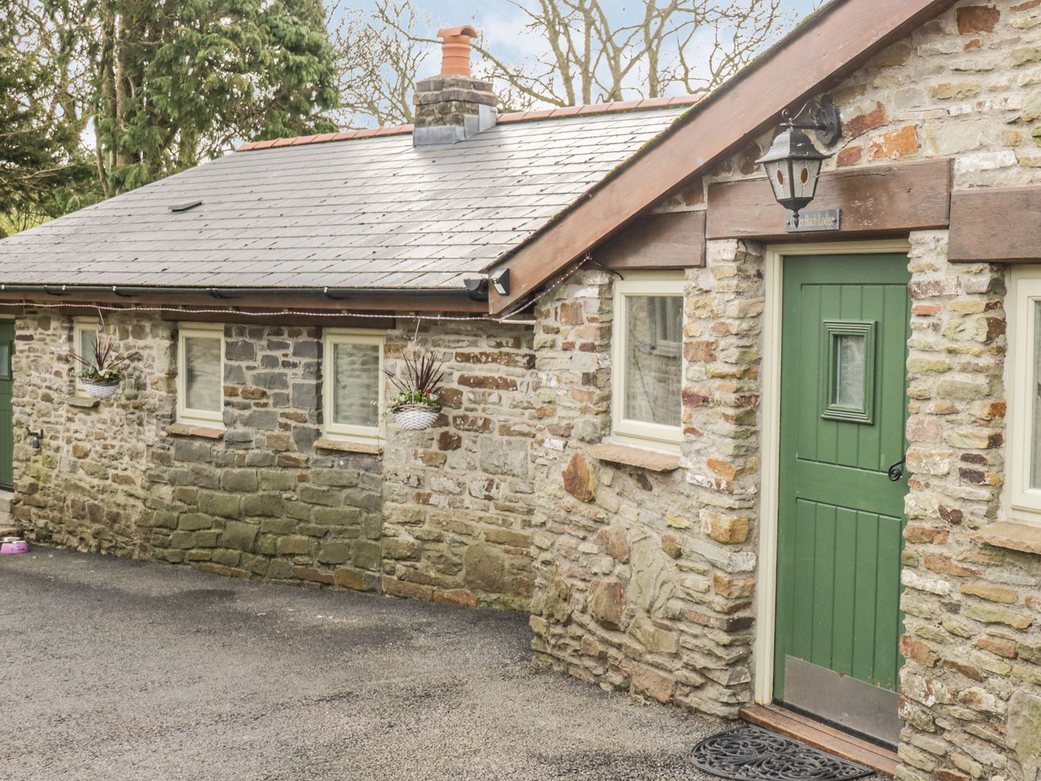 Caner Bach Lodge, Blackmill