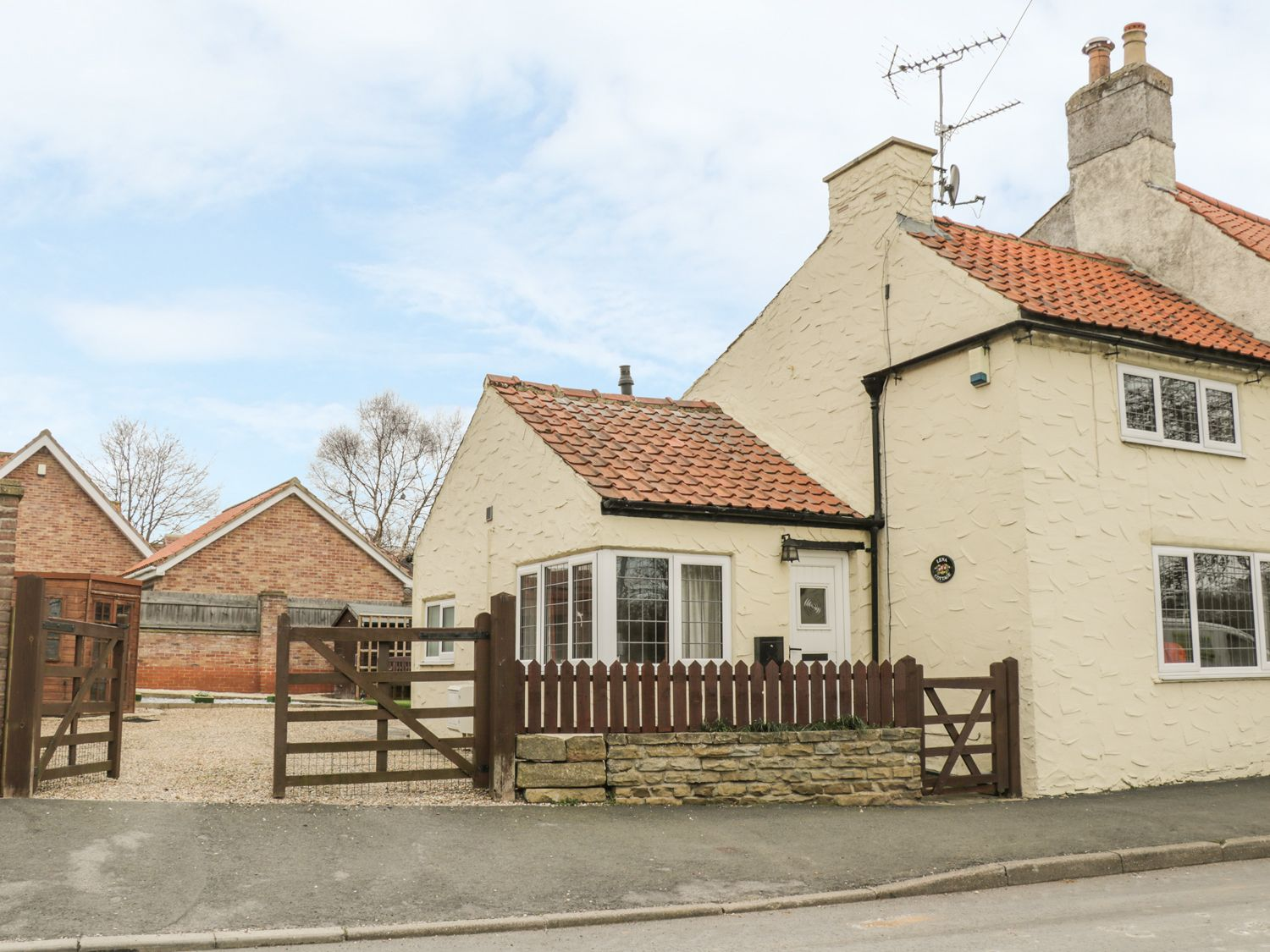 Lena Cottage - Whitby & North Yorkshire - 983609 - photo 1