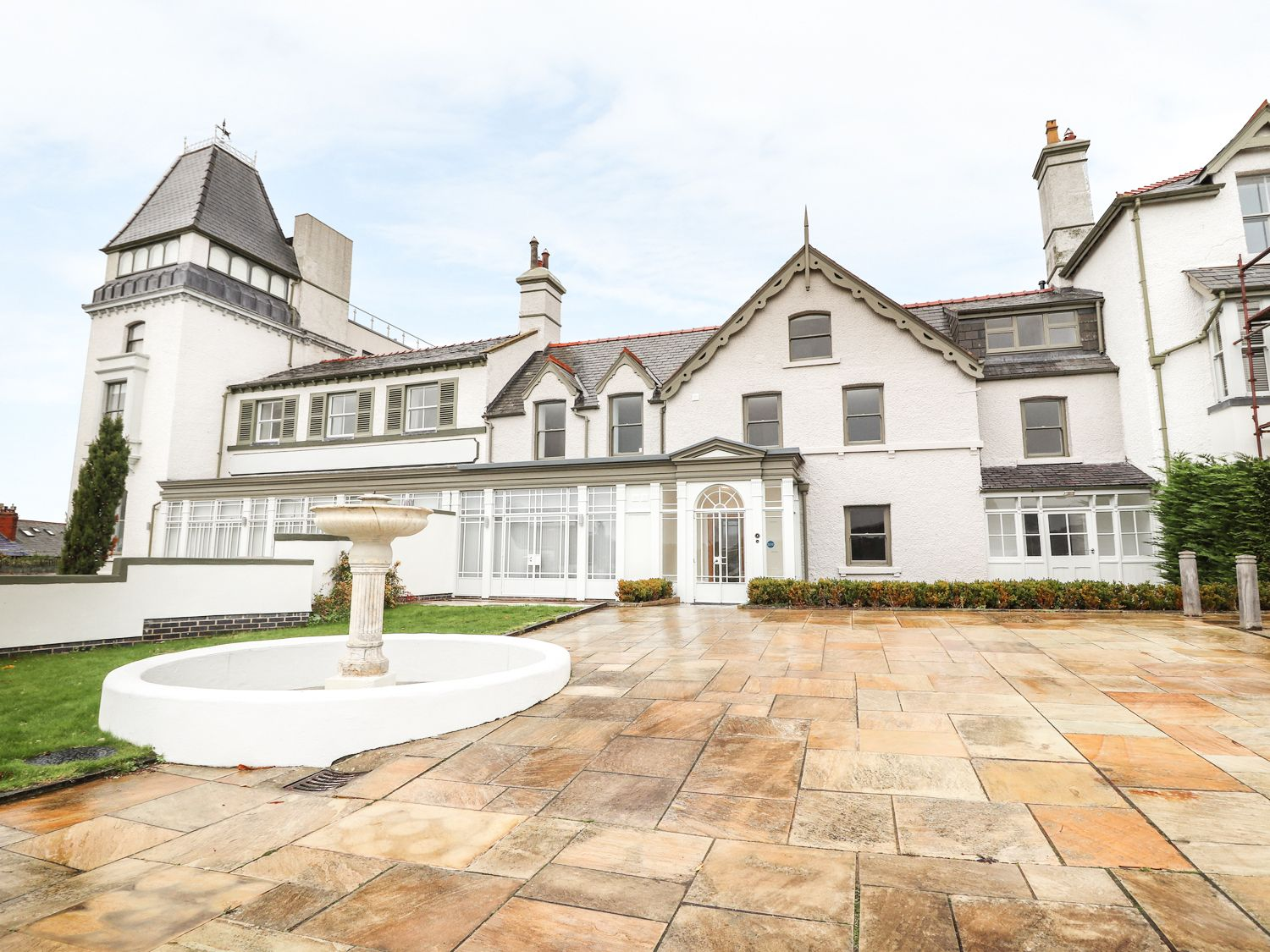 33 Deganwy Castle - North Wales - 985611 - photo 1