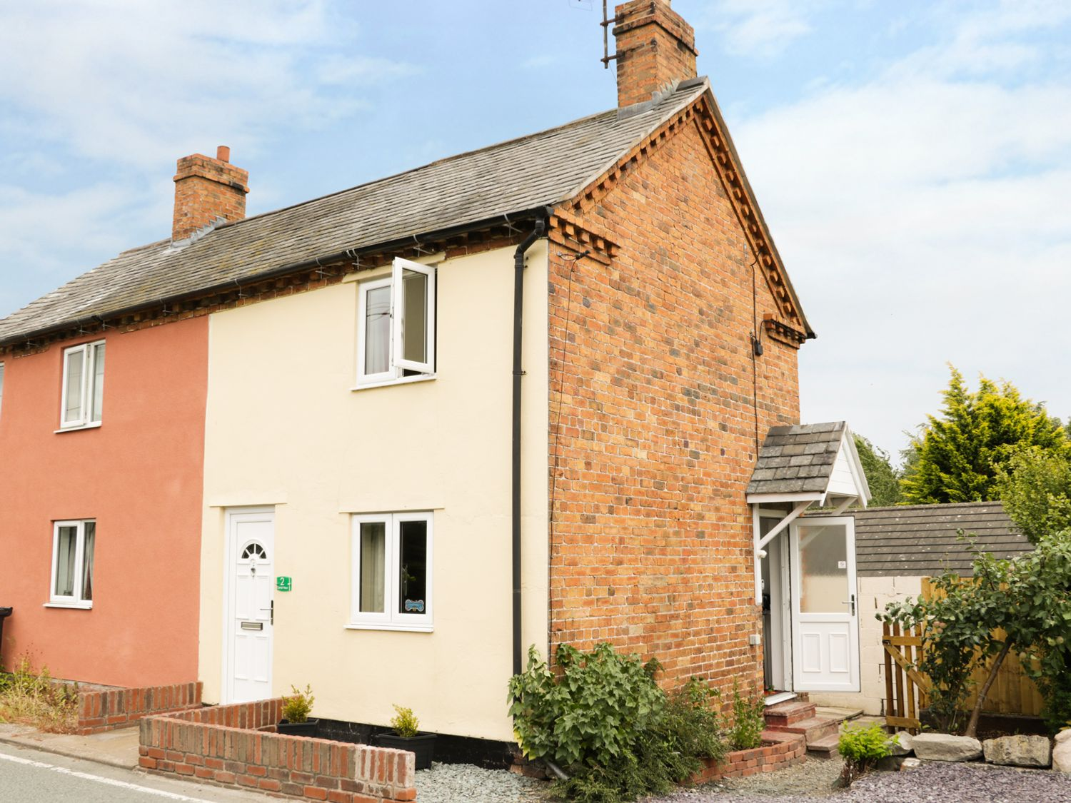 2 Canal View - Mid Wales - 987317 - photo 1