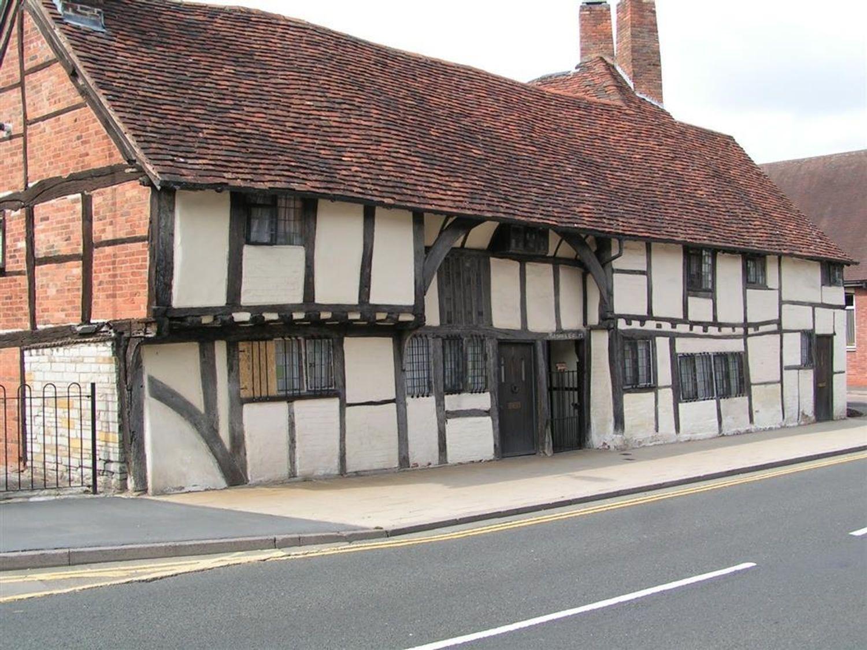 One Masons Court, Warwickshire