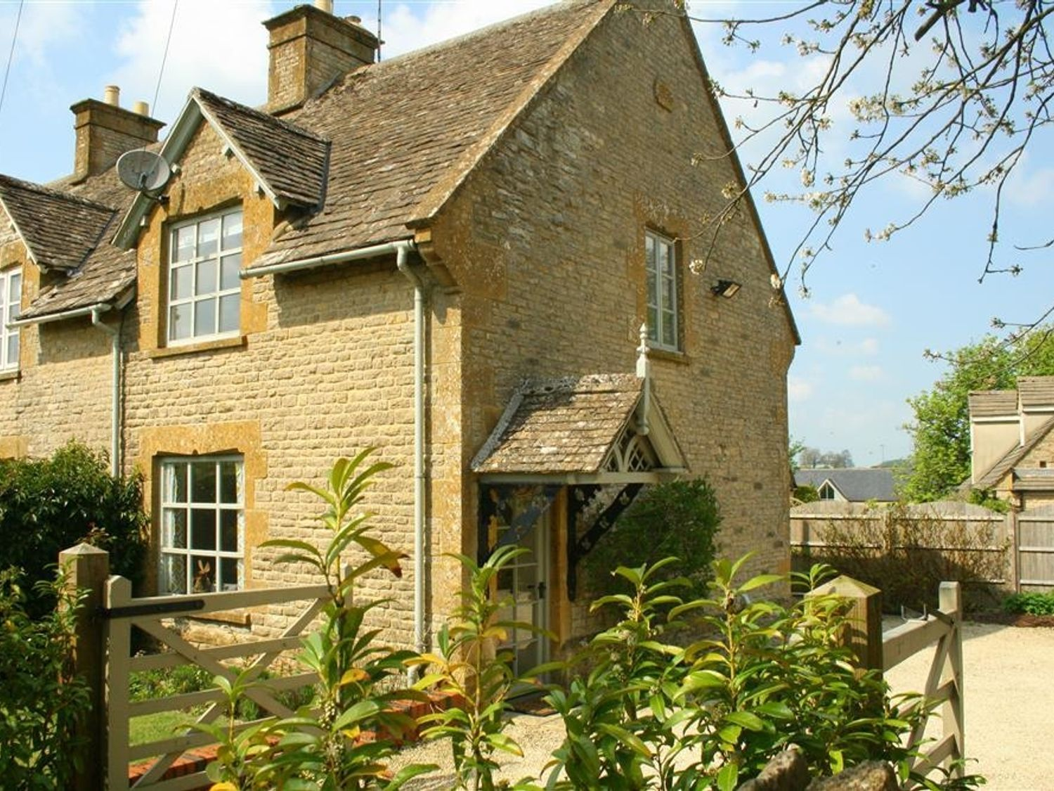 Honeysuckle Cottage - Cotswolds - 988991 - photo 1