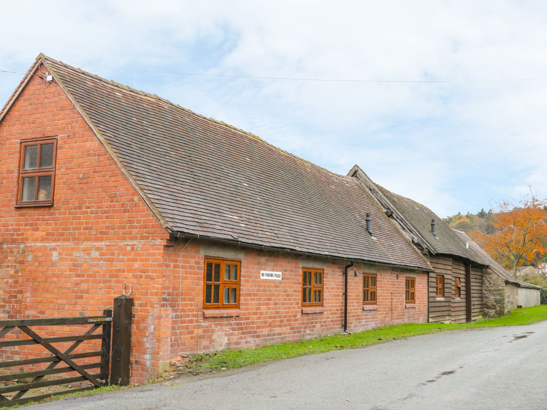 Old Hall Barn 4 - Shropshire - 992269 - photo 1
