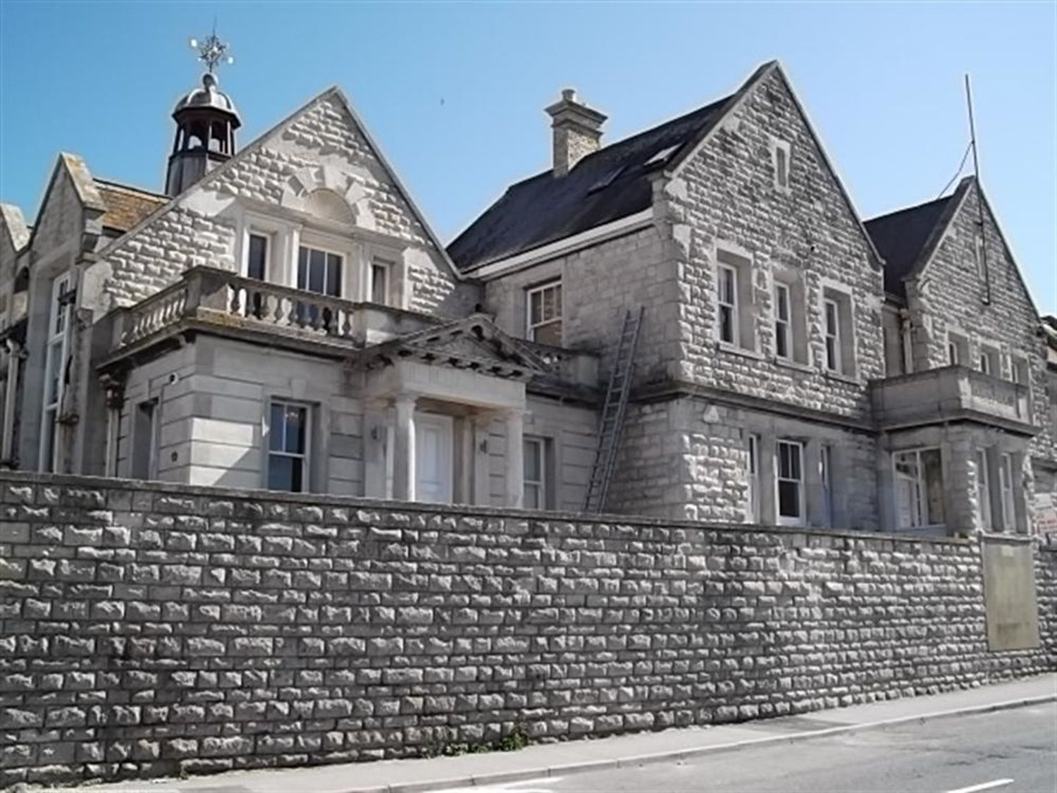 The Old Portland Courthouse - Dorset - 994487 - photo 1