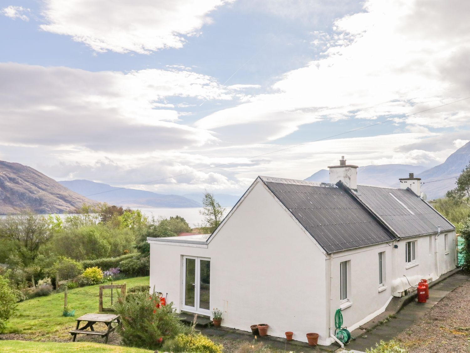 Beinn Ghobhlach Cottage - Scottish Highlands - 996878 - photo 1