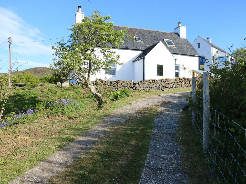 Half of 17 - Scottish Highlands - 997216 - photo 1