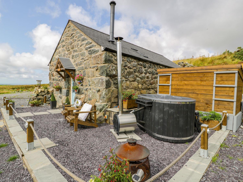 The Barn at Cae'r Fadog Isaf - North Wales - 998075 - photo 1