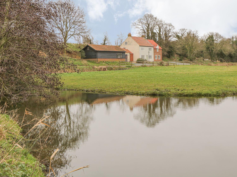 West Farm - Norfolk - 998971 - photo 1